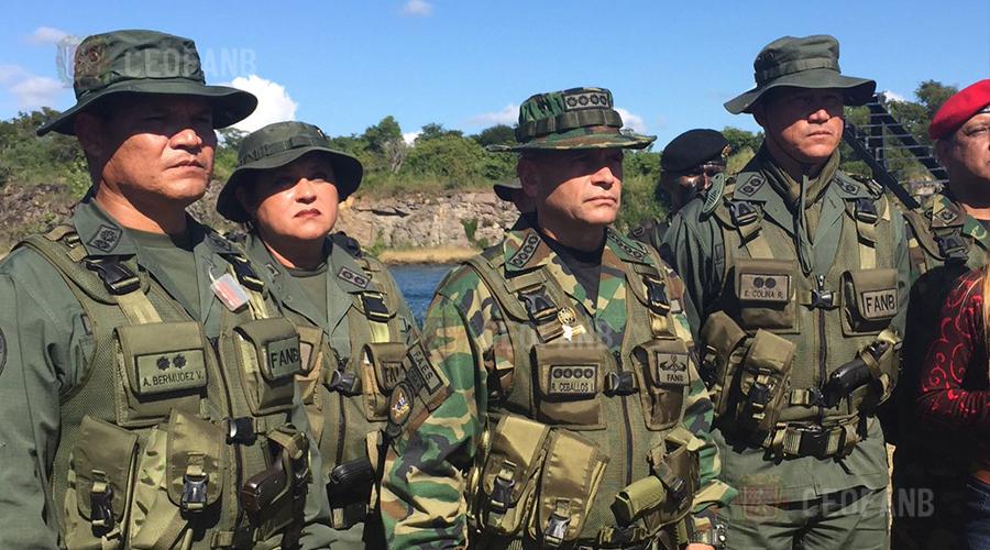 Graduación curso de comando de la Guardia de Honor Presidencial – Comando  Estratégico Operacional de la FANB 6461d5e9811